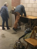 grote opruimactie voordat het plafond gespoten kan worden