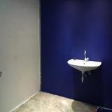 muurtje in toiletblok